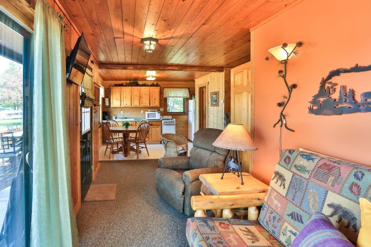 Sunset Cabin - living room.