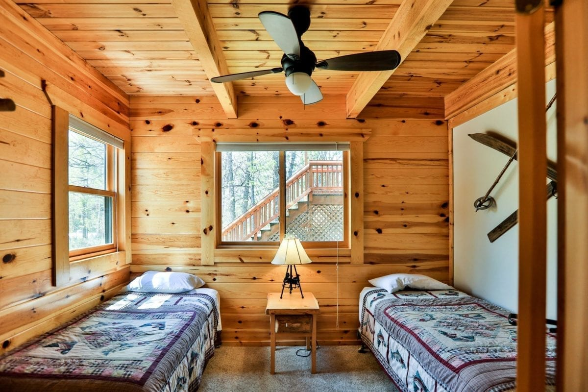 Yellowstone Lodge bedroom with two single beds.